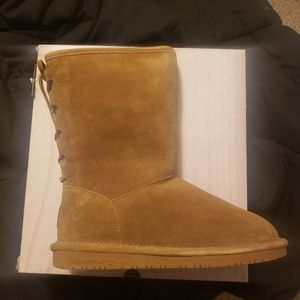 Bearpaw boots new size 9